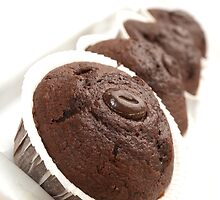 Chocolate muffin train by Arve Bettum