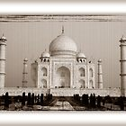 Front view of the Taj Mahal (Agra) by RajeevKashyap