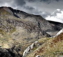 Crib Goch from above Pen-y-Pass by edfcole