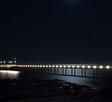 Full moon @ Lorne pier by Dale Frank