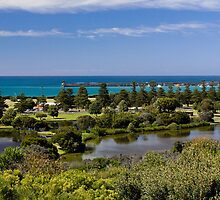 Lake Pertobe and breakwater from Cannon Hill by Roger Neal
