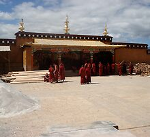 Monastery near Kunming by Luisa Peters
