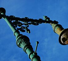 Neglected Old Street Lamp by shoebill
