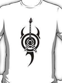 zakk wylde's gibson flying v bullseye tribal black T-Shirt