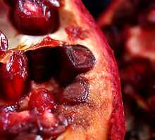 Pomegranate Split by goodieg
