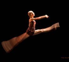 the dancer by Tommysu