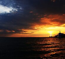 Darwin's famous wet season Sunset  by ReVaMPed