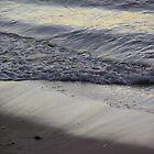 Watchin' the tide roll away... by byzantinehalo