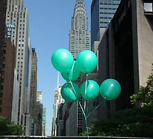 Green Balloons in New York by blackadder