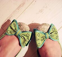 Bow Toes by Ashie Bear