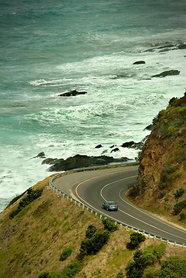 Bend,Great Ocean Road by Joe Mortelliti