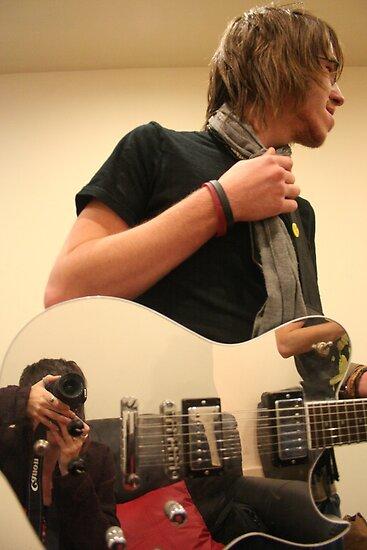 Adams mirrored guitar by Annique Albericci