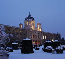 Kunsthistorisches Museum at Maria-Theresa-Square, Vienna by inglesina