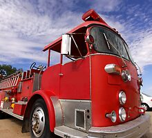 Old fire truck by snehit