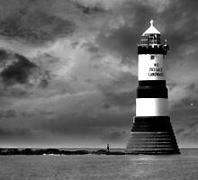 Penmon Lighthouse by dazrog