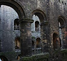 Central Arcade, Rochester Castle by Dave Godden