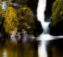 Waterfall near Glengarriff by Marloag