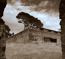 Morialta Barns -The Gap by Ben Loveday