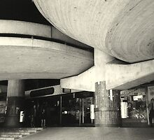 a heavy concrete ceiling by fabio piretti
