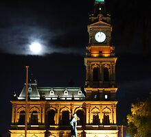 Bendigo's Post Office at night. by Lozzar Flowers & Art