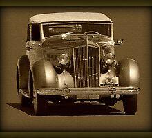 Older Car by elisab