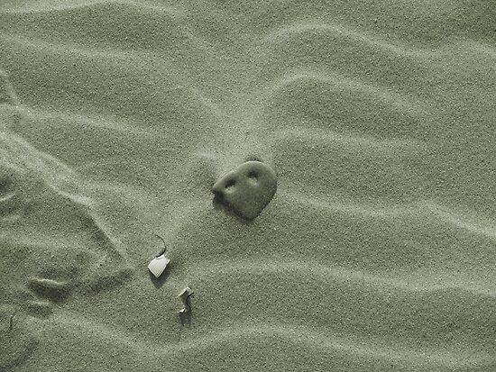 in the sand by scarlettheartt