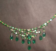 Alternative angle for Emeralds choker by anaisnais