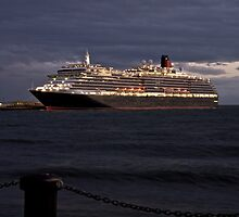 Cunard Queen Victoria at Station Pier Melbourne by Rodderrick Sota