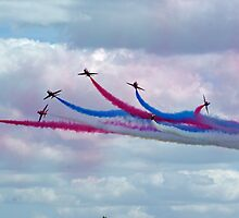 Red Arrows at Cosford 8 by Len Slack