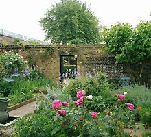 Elizabethan walled garden, Geffrye Museum, Shoreditch by BronReid