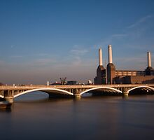 Battersea Power station, London by mara calvi