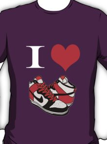 I heart dunks! T-Shirt