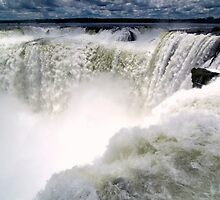 Devil's Throat - Iguacu Falls by lgraham