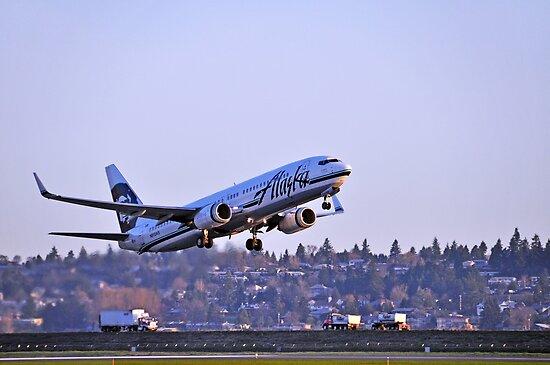 Alaska Airlines 737-800 by Bob Hortman