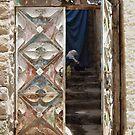 Symbols on the wall (6) - gateway in Ibb by Marjolein Katsma