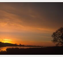 Holowell Sunrise by StephenRB