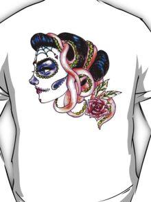 senorita de los muertos (back) T-Shirt