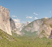 Tunnel View, Yosemite by Chris Tarling