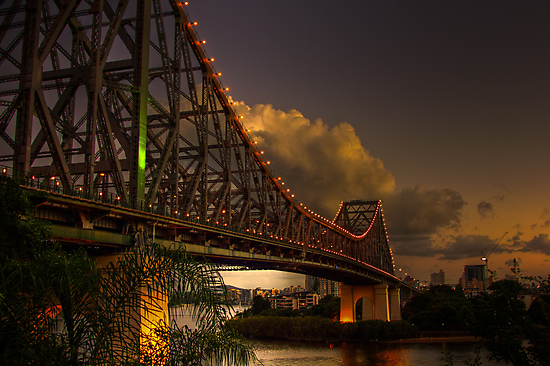 Nightfall at the Story Bridge by Lawrie McConnell