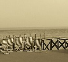 Lazy Day at Southend by MichelleRees