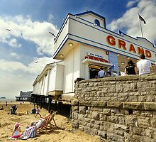 Grand pier, Weston Super Mare by buttonpresser