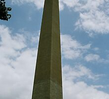 To the heavens-Washington Monument by raindancer