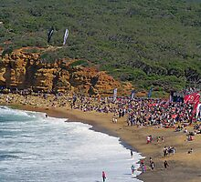 Beach crowd at Rip Curl Pro 2010 by Andy Berry