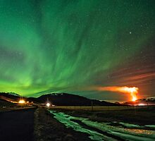 Northern lights and Volcano by johannesfrank