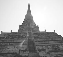 Twisted temple (B&W), Ayutthaya, Thailand by jimitaylor