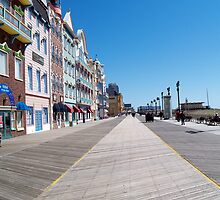 Boardwalk in Atlantic City, NJ by nastruck