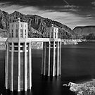 Hoover Dam &amp; Lake Mead by MClementReilly