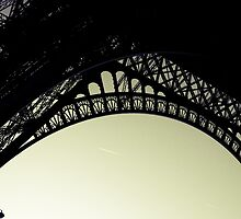 Eiffel Tower by pixeljunkie19
