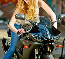 Model photoshoot, Yamaha R6 by Johan1984