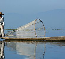Fisherman Inle Lake (1) by Ian Douglas